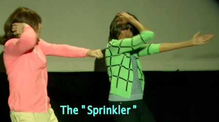 Michelle Obama &amp; Jimmy Fallon Mom Dancing &quot;The Sprinkler&quot; on Starling Fitness